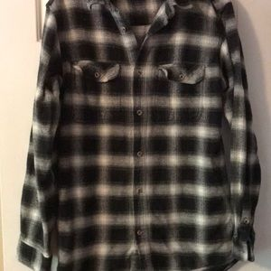 4e13e0aff Men s size large Field and Stream Plaid Shirt